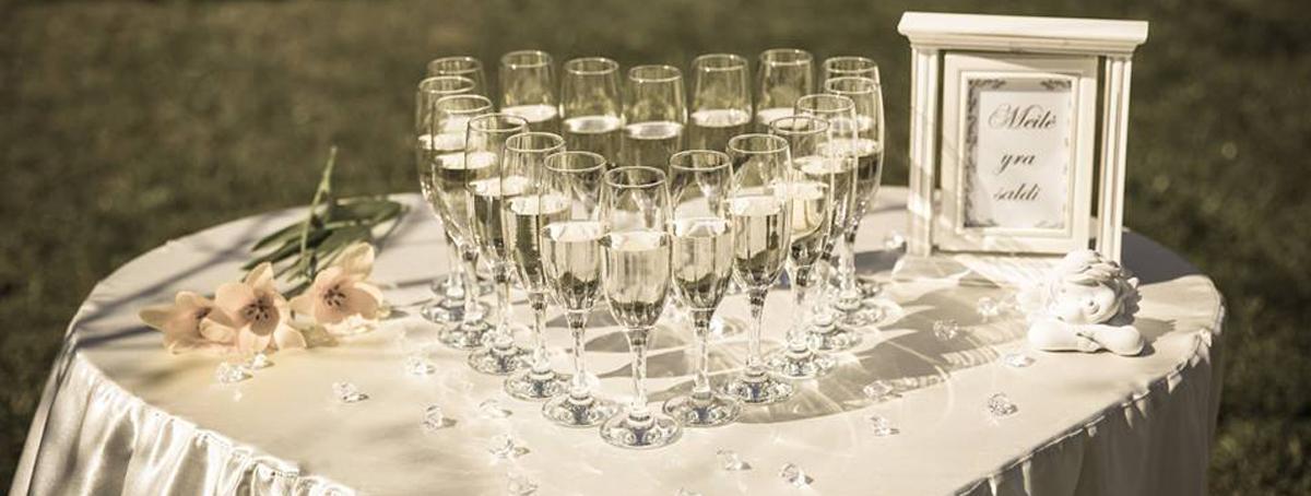 Šampano taurių širdutė