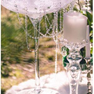104-stikline-vaza-auksta-ant-kojeles